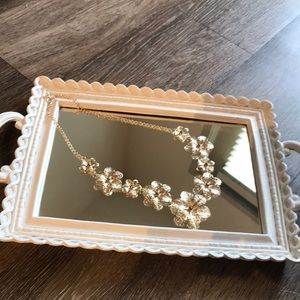 Gold flower chain perfect condition!